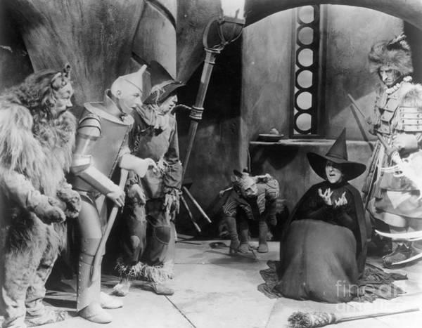 Wall Art - Photograph - Wizard Of Oz, 1939 by Granger
