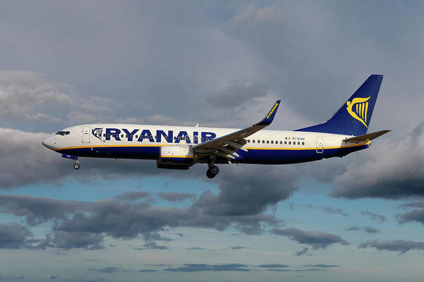 Boeing Wall Art - Photograph - Ryanair Boeing 737-8as by Smart Aviation