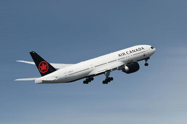 Wall Art - Photograph - Air Canada Boeing 777-233 by Smart Aviation