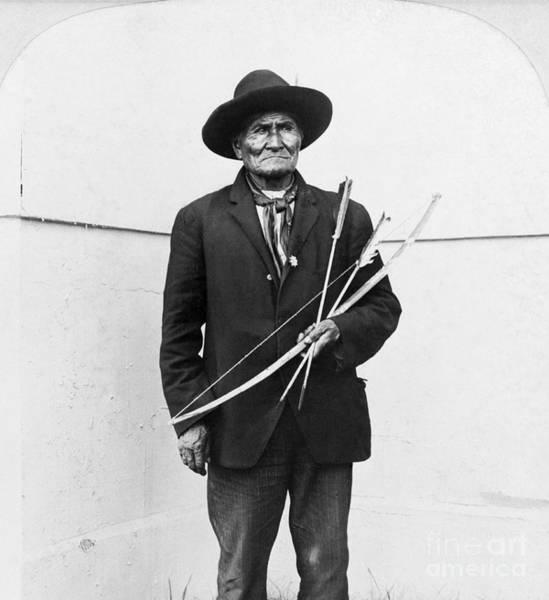 Wall Art - Photograph - Geronimo (1829-1909) by Granger