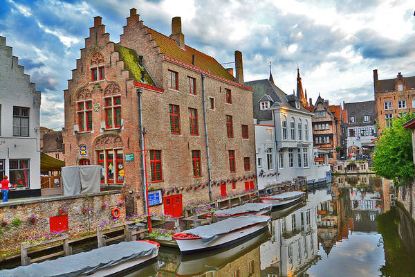 Gleeson Photograph - The Quiet Waters Of The Canals Of Bruges. by Andy Za