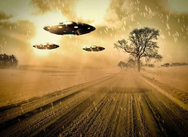 Area 51 Digital Art - Ufo Invasion Force By Raphael Terra by Raphael Terra