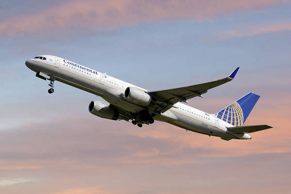 Airlines Photograph - United Airlines Boeing 757-224 by Smart Aviation
