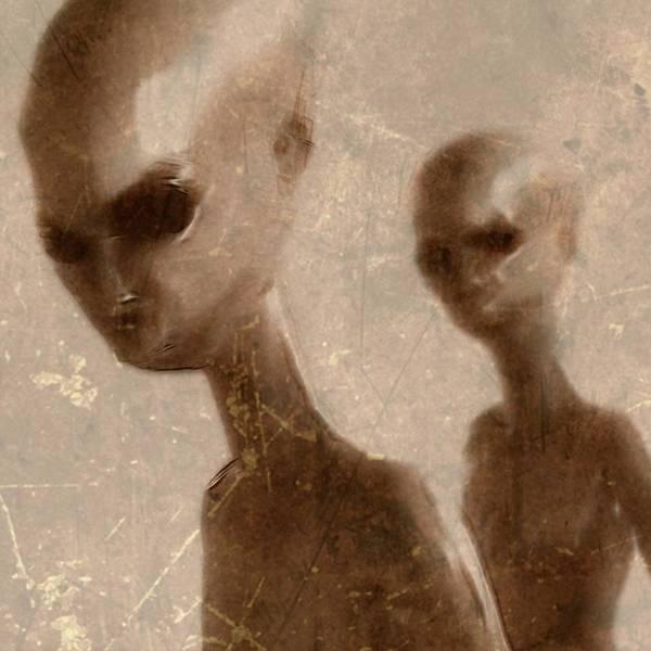 Ufo Digital Art - Vintage Style Ufo Alien By Raphael Terra by Raphael Terra