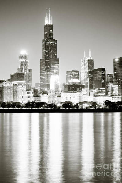 Sears Tower Photograph - Chicago Skyline At Night by Paul Velgos
