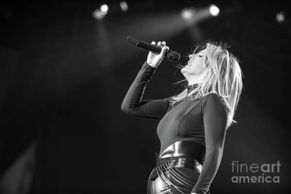 Photograph - Ellie Goulding by Jenny Potter