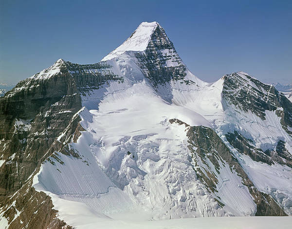 Photograph - 602446 Mt. Robson From Northeast by Ed Cooper Photography