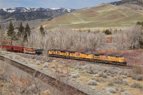 Union Pacific Railroad Wall Art - Photograph - 6056 Eastbound by Donna Kennedy