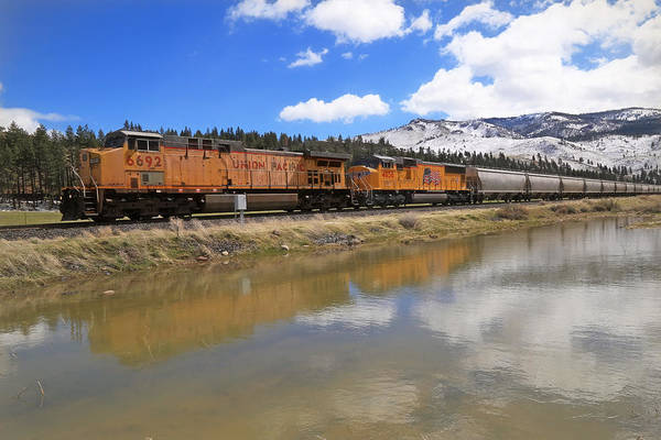 Union Pacific Railroad Wall Art - Photograph - 6692 Eastbound by Donna Kennedy