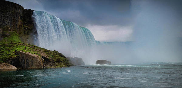 Famous Waterfall Wall Art - Photograph - Niagara Falls by Martin Newman