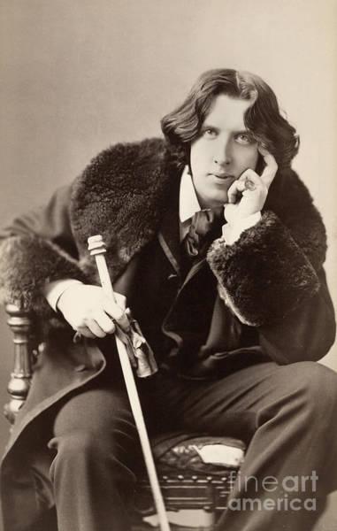 Wall Art - Photograph - Oscar Wilde (1854-1900) by Granger