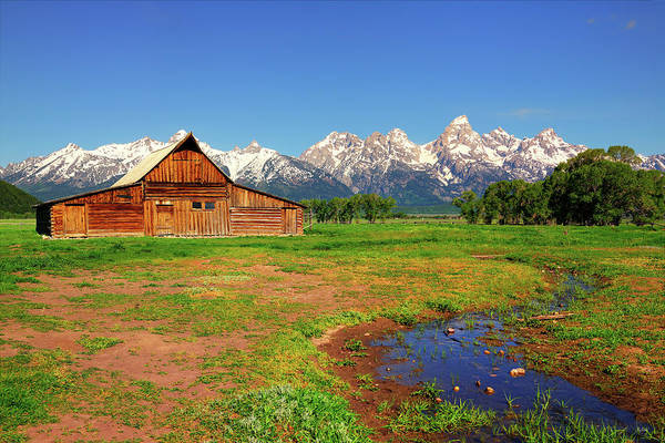 Photograph - A Barn With A View by Greg Norrell