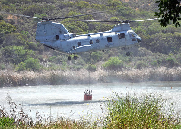 Ch Painting - A Ch-46e Sea Knight Helicopter Us Navy by Celestial Images