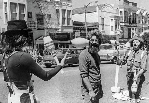 Photograph - A Close Call, San Francisco Street Artists by Frank DiMarco
