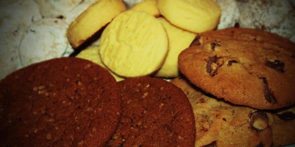 Photograph - A Dish Full Of Cookies by Cynthia Guinn