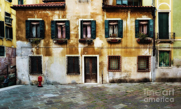 Photograph - A Quiet Day In Venice by Miles Whittingham