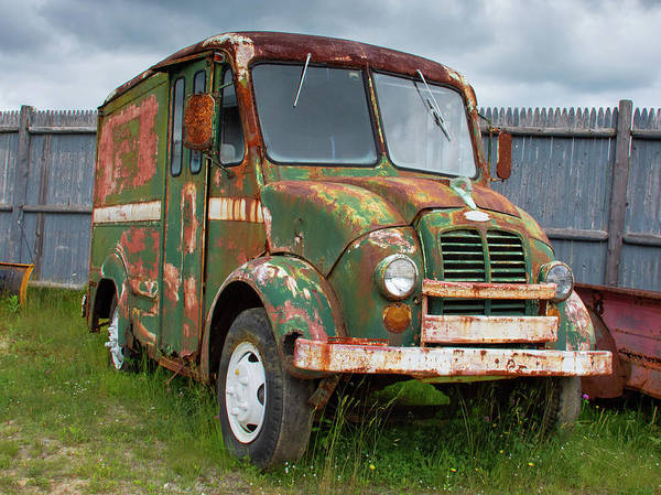 Photograph - A Rusty Divco by Guy Whiteley