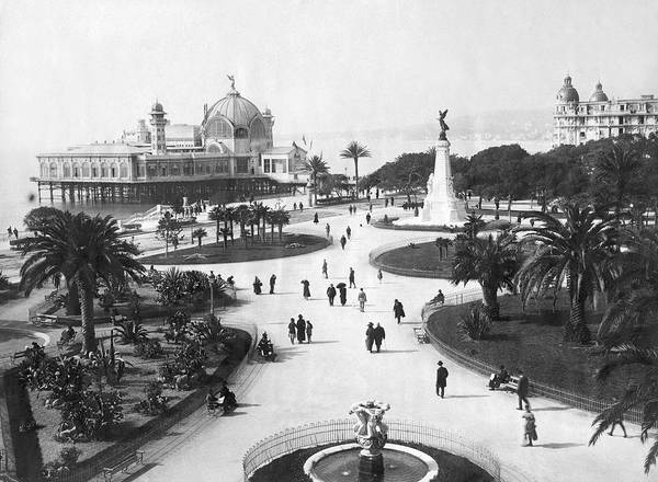 1900 Photograph - A Scene In Nice, France by Underwood Archives