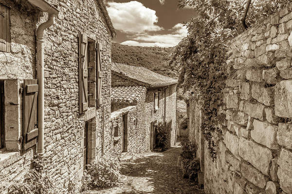 Wall Art - Photograph - A Stone Lane In Bruniquel by W Chris Fooshee