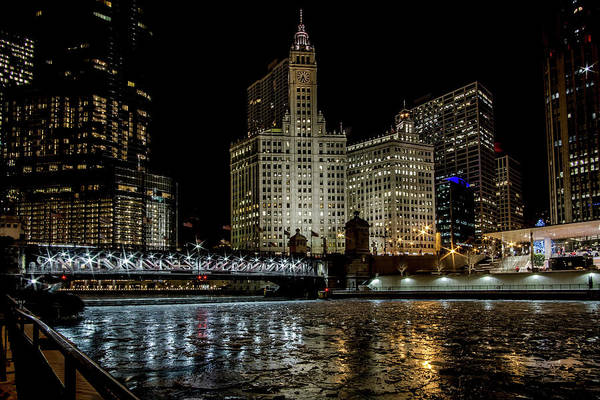 Photograph - A Wintry Chicago River Scene by Sven Brogren