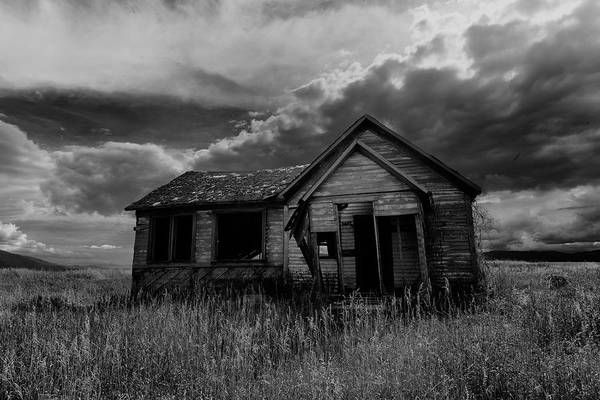Bonneville County Photograph - Abadoned Farm House Swan Valley Id by Troy Montemayor