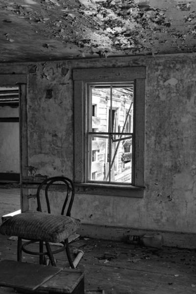 Photograph - Abandon House Living Room by Betty Pauwels