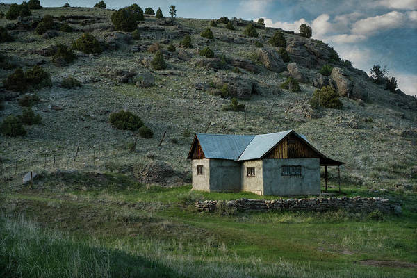 Photograph - Abandoned Adobe - New Mexico by Mary Lee Dereske
