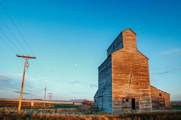 Photograph - Abandoned Elevator by Todd Klassy