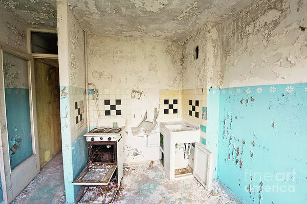 Wall Art - Photograph - Abandoned Kitchen by Juli Scalzi