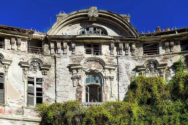 Photograph - Abandoned Liberty Villa With Pigeons - Villa Liberty Abbandonata Con Colombi by Enrico Pelos