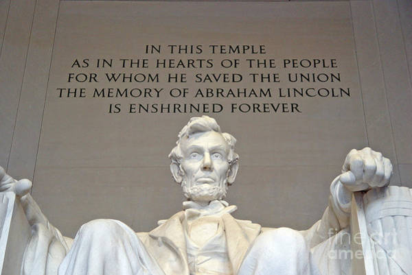 Photograph - Abraham Lincoln Statue - 2 by Tom Doud