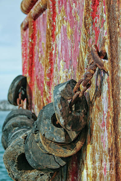Rusty Chain Wall Art - Photograph - Abstract With Rusty Chain by Patricia Hofmeester