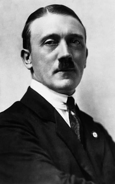 Char Wall Art - Photograph - Adolf Hitler, 1924 by Everett
