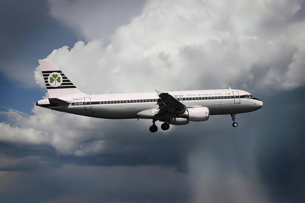 Airbus A320-214 Wall Art - Photograph - Aer Lingus Airbus A320-214  by Smart Aviation