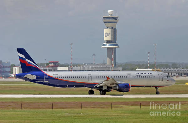 Photograph - Aeroflot - Russian Airlines Airbus A321-211 - Vq-bei by Amos Dor