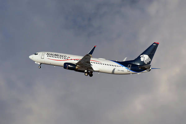 Airline Photograph - Aeromexico Boeing 737-81d by Smart Aviation