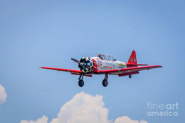 Photograph - Aeroshell Landing Approach by Tom Claud