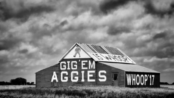 Wall Art - Photograph - Aggie Barn In Bw by Stephen Stookey