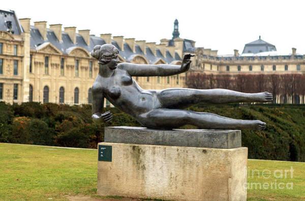 Jardin Des Tuileries Photograph - Air At Tuileries Garden In Paris by John Rizzuto