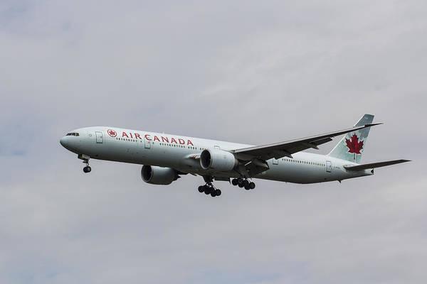 Wall Art - Photograph - Air Canada Boeing 777 by David Pyatt
