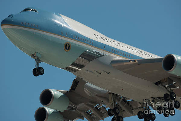 Photograph - Air Force One Final Approach Into Charleston Sc by Dale Powell
