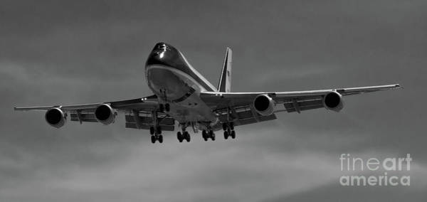 Photograph - Air Force One On Final Approach Into Charleston South Carolina -chs by Dale Powell