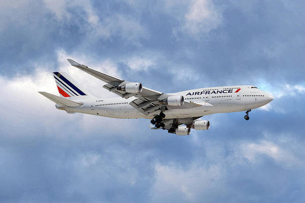 Boeing 747 Wall Art - Photograph - Air France Boeing 747-428 118 by Smart Aviation