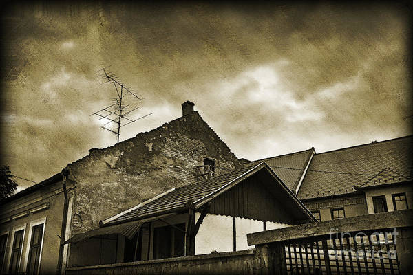 Houses Wall Art - Photograph - Alice Does Not Live Here Anymore by Madeline Ellis