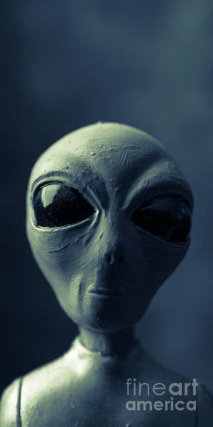 Abduction Wall Art - Photograph - Alien X-files Phone Case by Edward Fielding