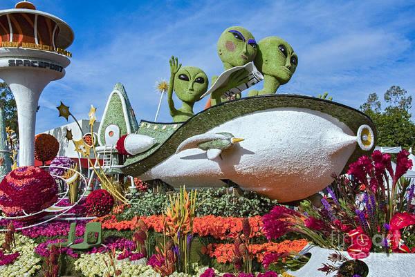 Tournament Of Roses Photograph - Aliens Spaceship 3 by David Zanzinger