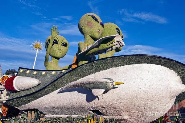 Tournament Of Roses Photograph - Aliens Spaceship by David Zanzinger