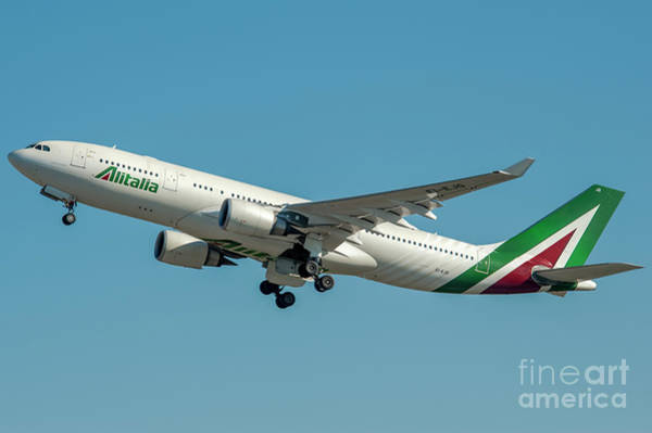 Alitalia Wall Art - Photograph - Alitalia Airbus A330-200 by Roberto Chiartano