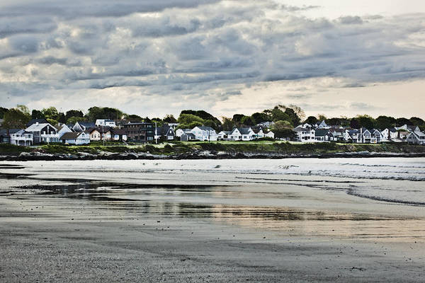 Newport Ri Wall Art - Photograph - Along The Beach by Joel P Black
