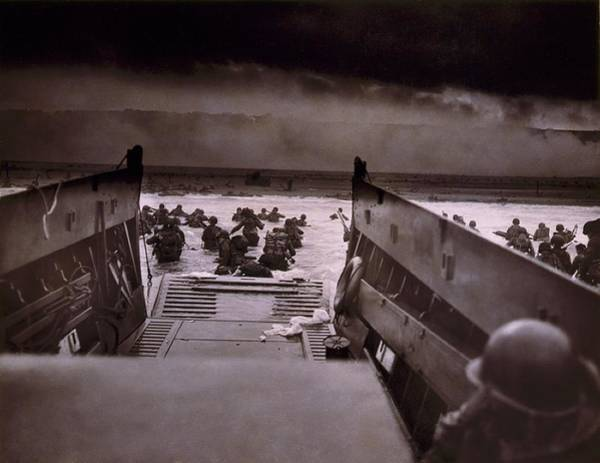 Wall Art - Photograph - American Soldiers Wade From Coast Guard by Everett